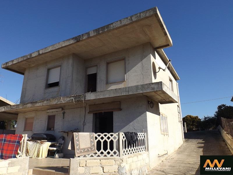 Villa in vendita a Scicli, 3 locali, zona Località: CavadAliga, prezzo € 135.000 | Cambio Casa.it