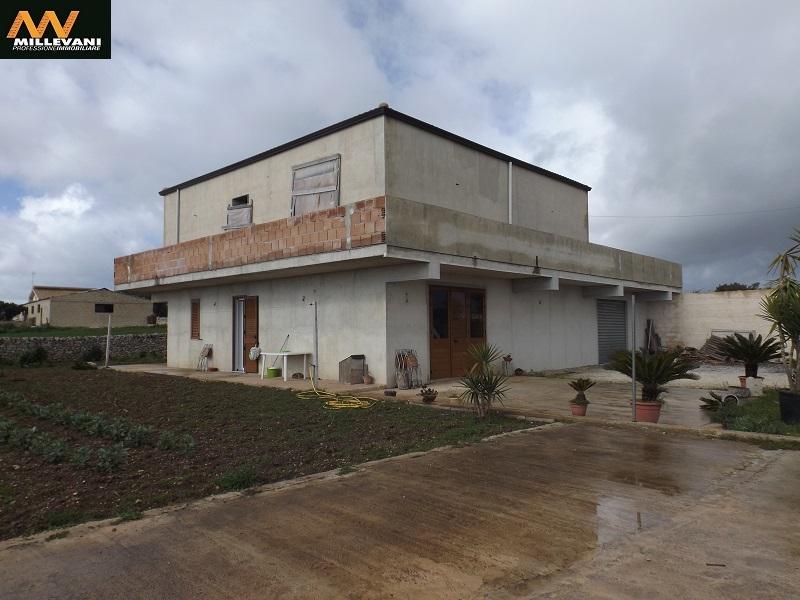 Villa in vendita a Modica, 4 locali, prezzo € 230.000 | Cambio Casa.it