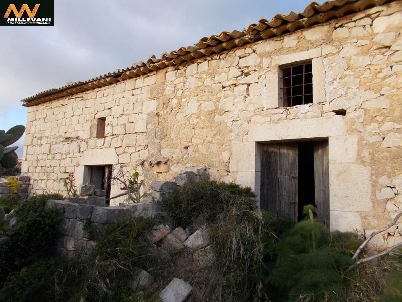 Rustico / Casale in vendita a Scicli, 3 locali, zona Zona: Donnalucata, prezzo € 150.000   Cambio Casa.it