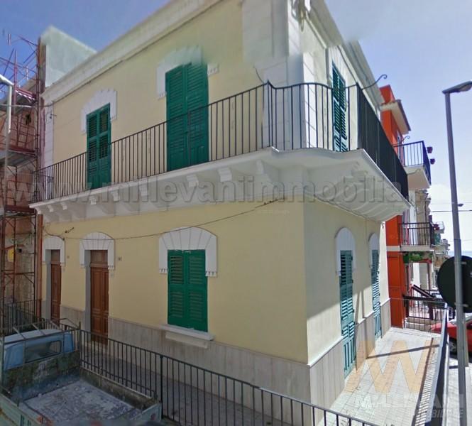 Soluzione Indipendente in vendita a Pozzallo, 6 locali, zona Località: zonaSanGiovanni, prezzo € 130.000   Cambio Casa.it