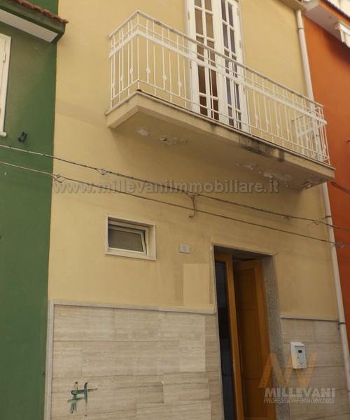 Soluzione Indipendente in vendita a Pozzallo, 7 locali, prezzo € 85.000 | Cambio Casa.it