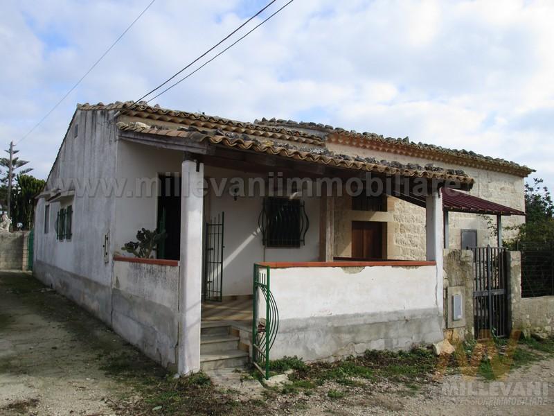 Villa in vendita a Scicli, 4 locali, zona Località: C.daS.Anna, prezzo € 65.000 | Cambio Casa.it