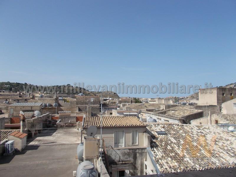 Soluzione Indipendente in vendita a Scicli, 5 locali, prezzo € 120.000 | Cambio Casa.it