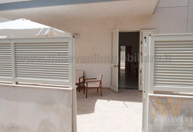 Appartamento in vendita a Scicli, 4 locali, zona Zona: Donnalucata, prezzo € 165.000   Cambio Casa.it