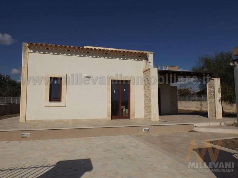 Villa in vendita a Pozzallo, 5 locali, zona Località: BoschiPisana, prezzo € 255.000 | Cambio Casa.it