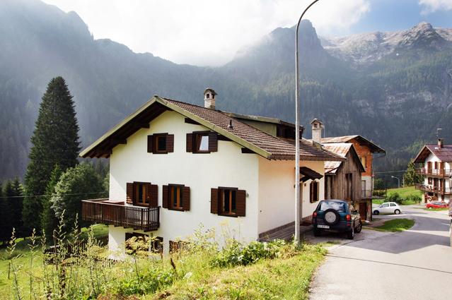 Villa in Vendita a Canale d'Agordo