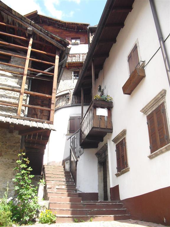 Appartamento in vendita a Cencenighe Agordino, 3 locali, prezzo € 135.000   Cambio Casa.it