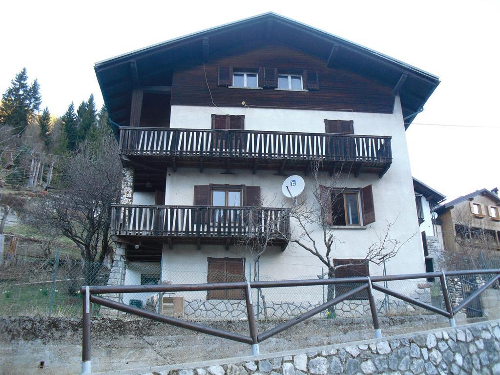 Villa in Vendita a San Tomaso Agordino