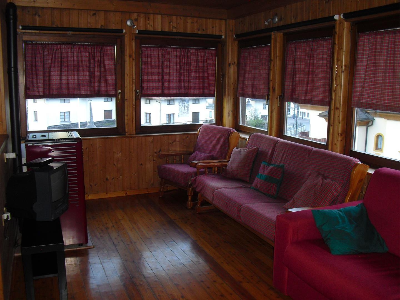Appartamento in vendita a Cencenighe Agordino, 4 locali, prezzo € 95.000 | CambioCasa.it