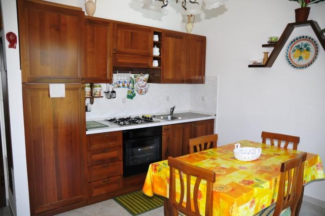Bilocale Albenga Via Rusineo 3