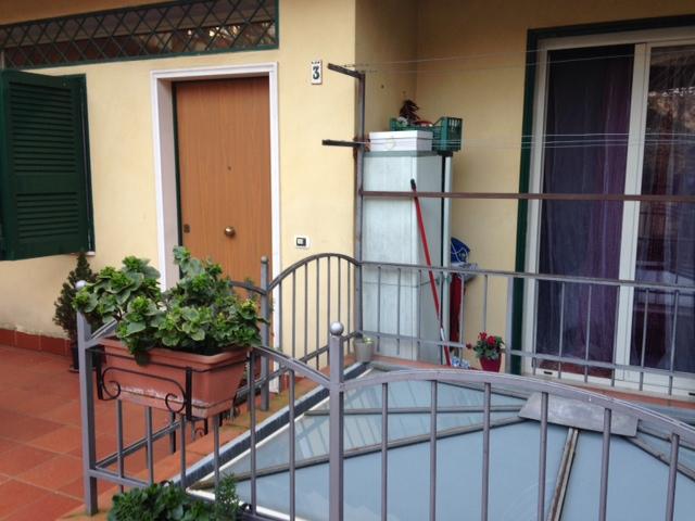 Bilocale Napoli Via Giustiniano 2