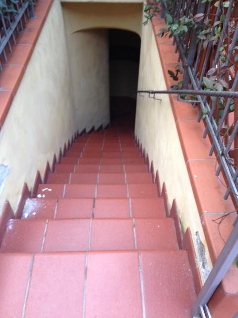 Bilocale Napoli Via Giustiniano 3