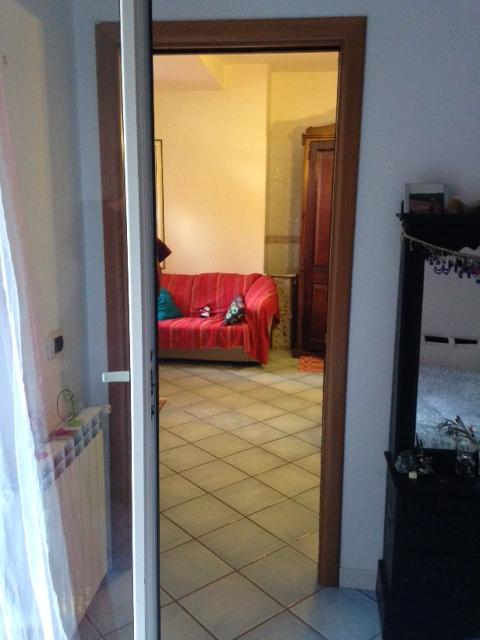Bilocale Napoli Via Giustiniano 8