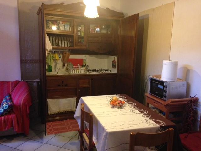 Bilocale Napoli Via Giustiniano 9