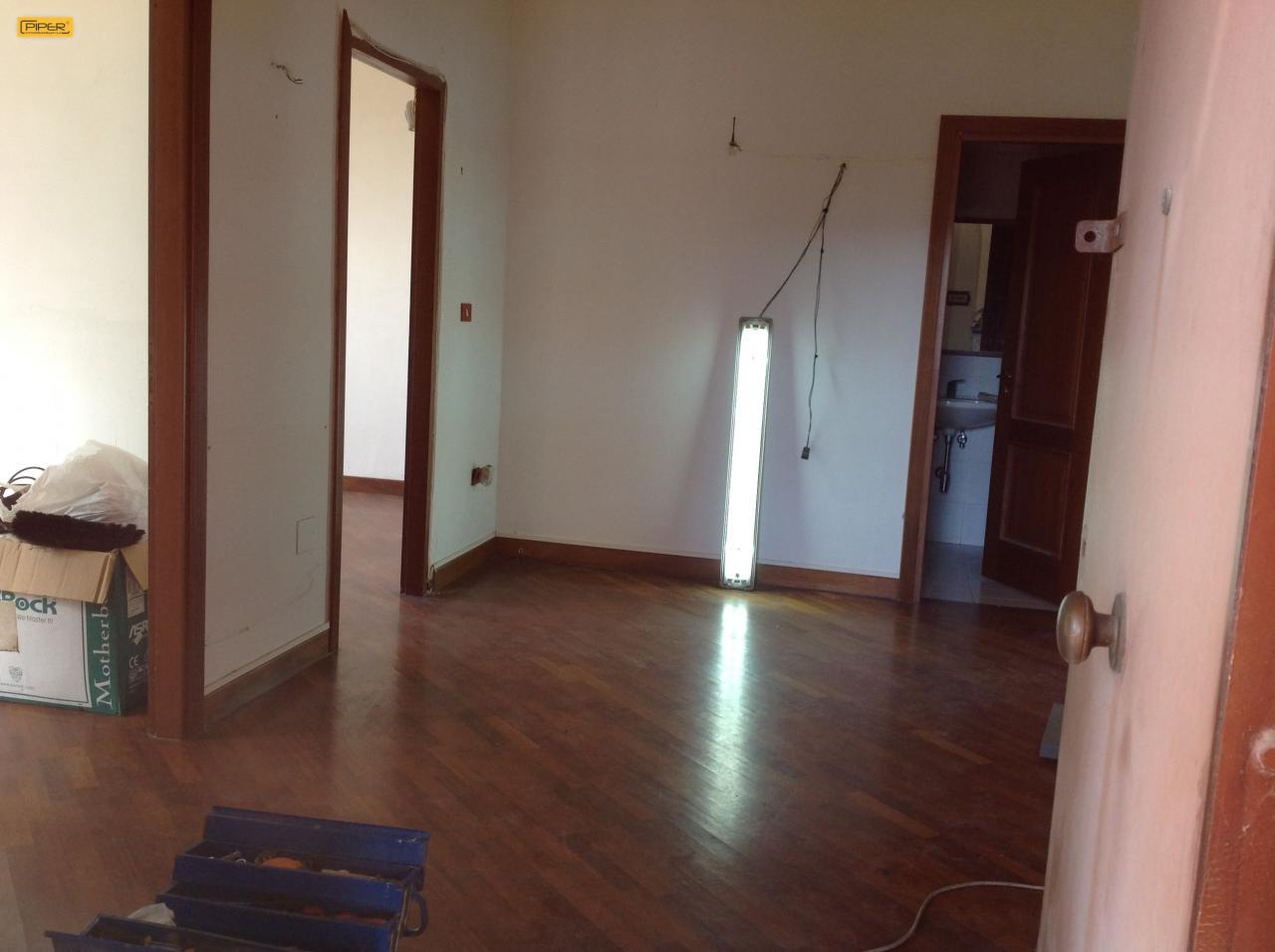 Appartamento in affitto a Napoli, 3 locali, zona Zona: 9 . Soccavo, Pianura, prezzo € 600 | CambioCasa.it