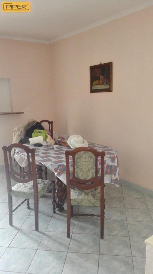Villa in vendita a Napoli, 7 locali, zona Zona: 9 . Soccavo, Pianura, prezzo € 360.000 | Cambio Casa.it