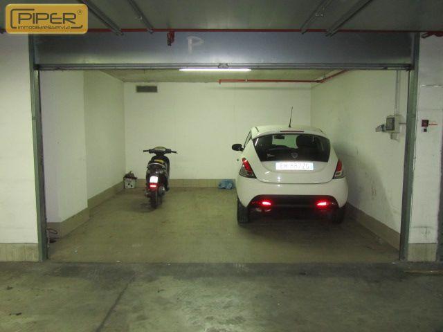 Box / Garage in vendita a Napoli, 1 locali, zona Località: ZonaIndustriale, prezzo € 60.000   Cambio Casa.it