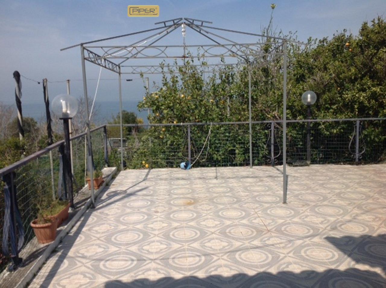 Bilocale Monte di Procida Via San Martino 1