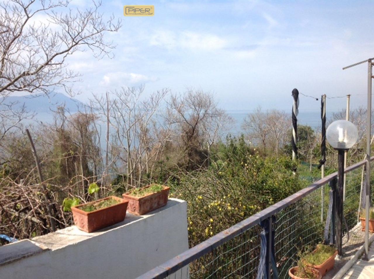 Bilocale Monte di Procida Via San Martino 2