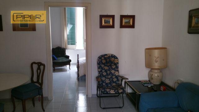 Bilocale Napoli Piazzetta Giusso 1