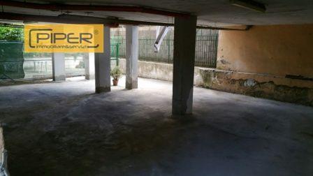 Box / Garage in affitto a Napoli, 1 locali, zona Zona: 9 . Soccavo, Pianura, prezzo € 350 | CambioCasa.it