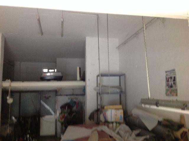 Negozio / Locale in affitto a Napoli, 9999 locali, zona Zona: 9 . Soccavo, Pianura, prezzo € 1.300 | Cambio Casa.it