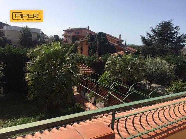 Villa in affitto a Pozzuoli, 6 locali, zona Località: Cuma/Licola, prezzo € 900 | Cambio Casa.it