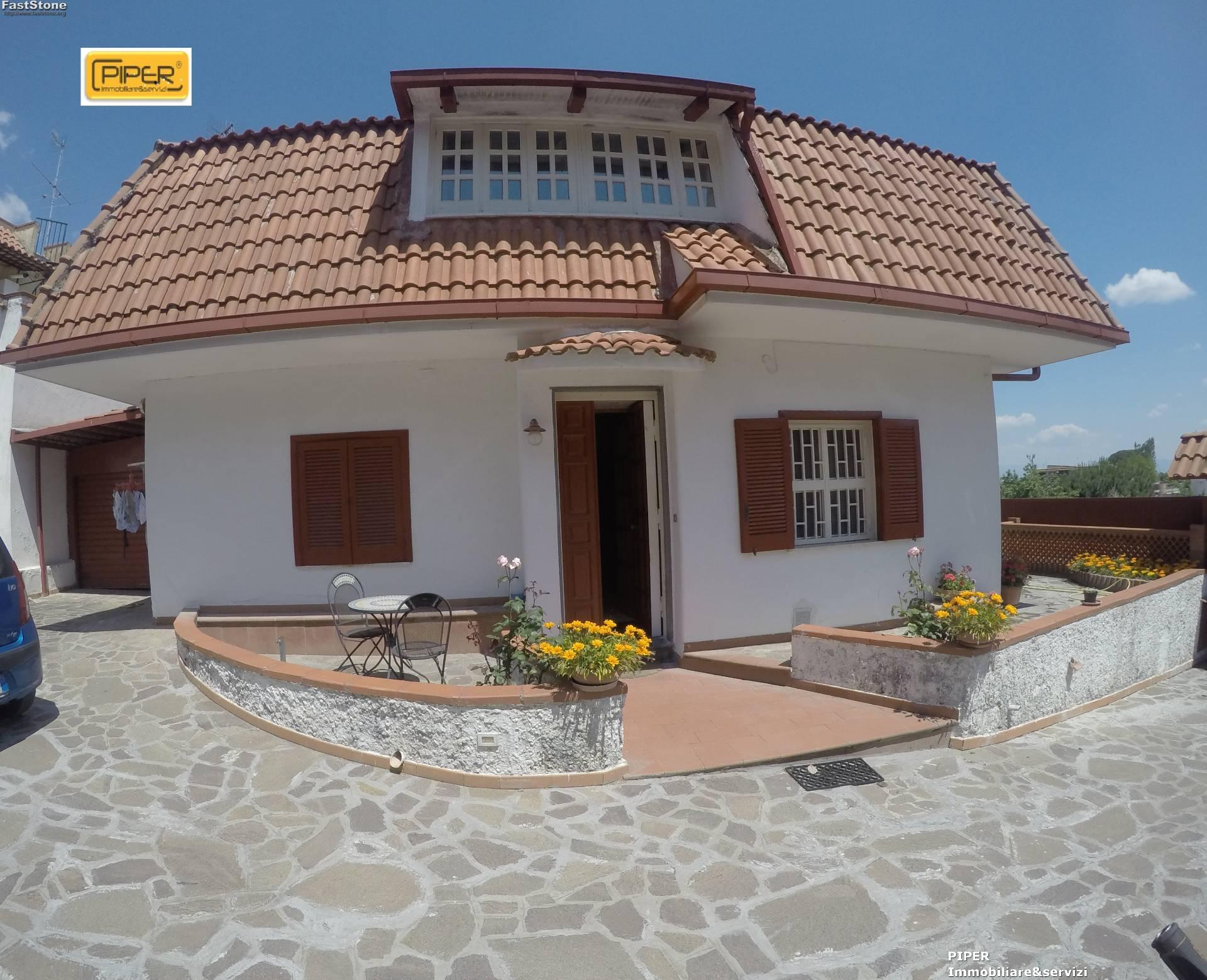 Villa in vendita a Napoli, 11 locali, zona Zona: 8 . Piscinola, Chiaiano, Scampia, prezzo € 450.000 | Cambio Casa.it