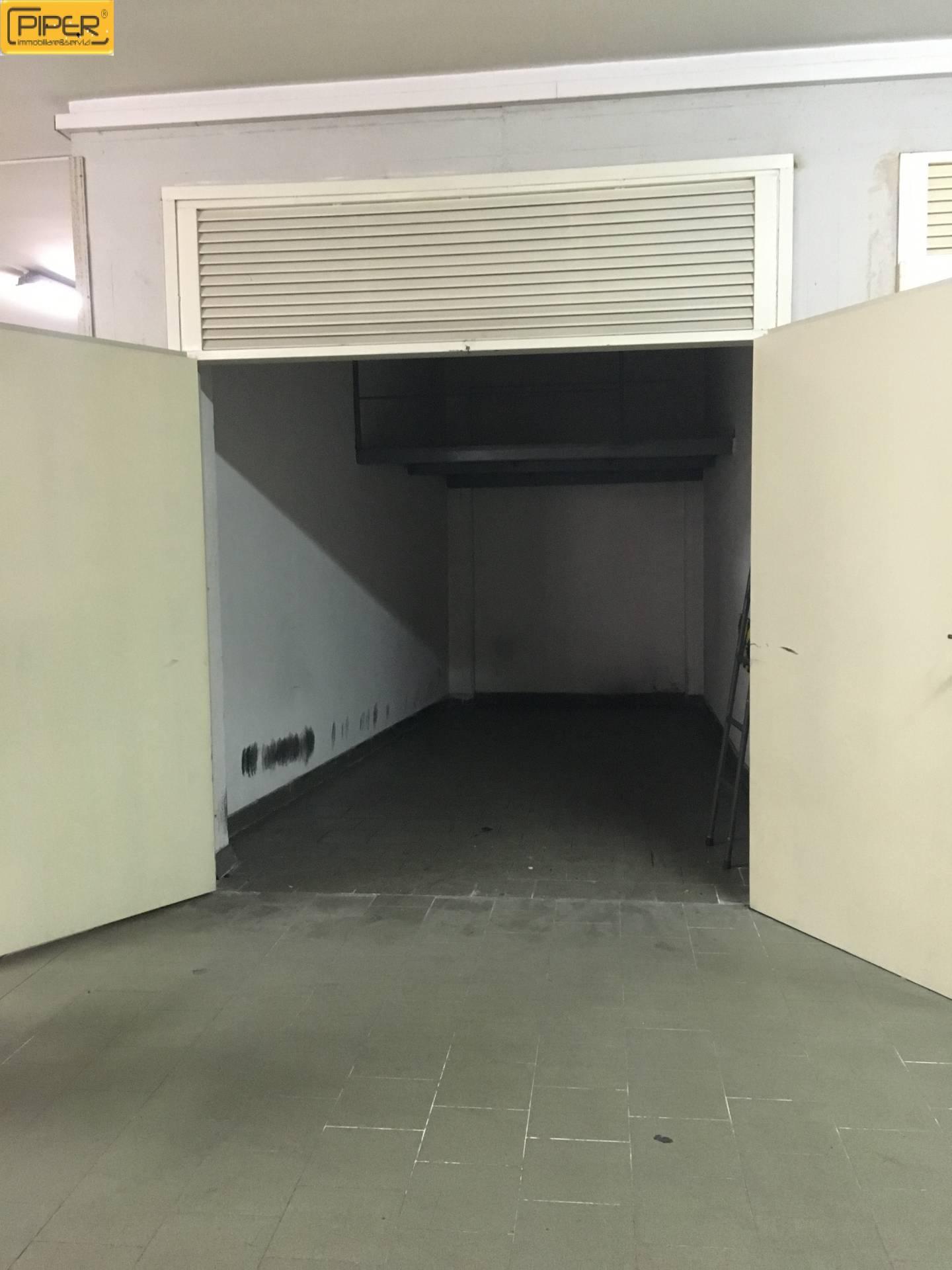Box / Garage in Affitto a Napoli