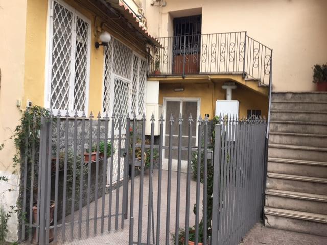 Bilocale Napoli Via Bosco Di Capodimonte 1