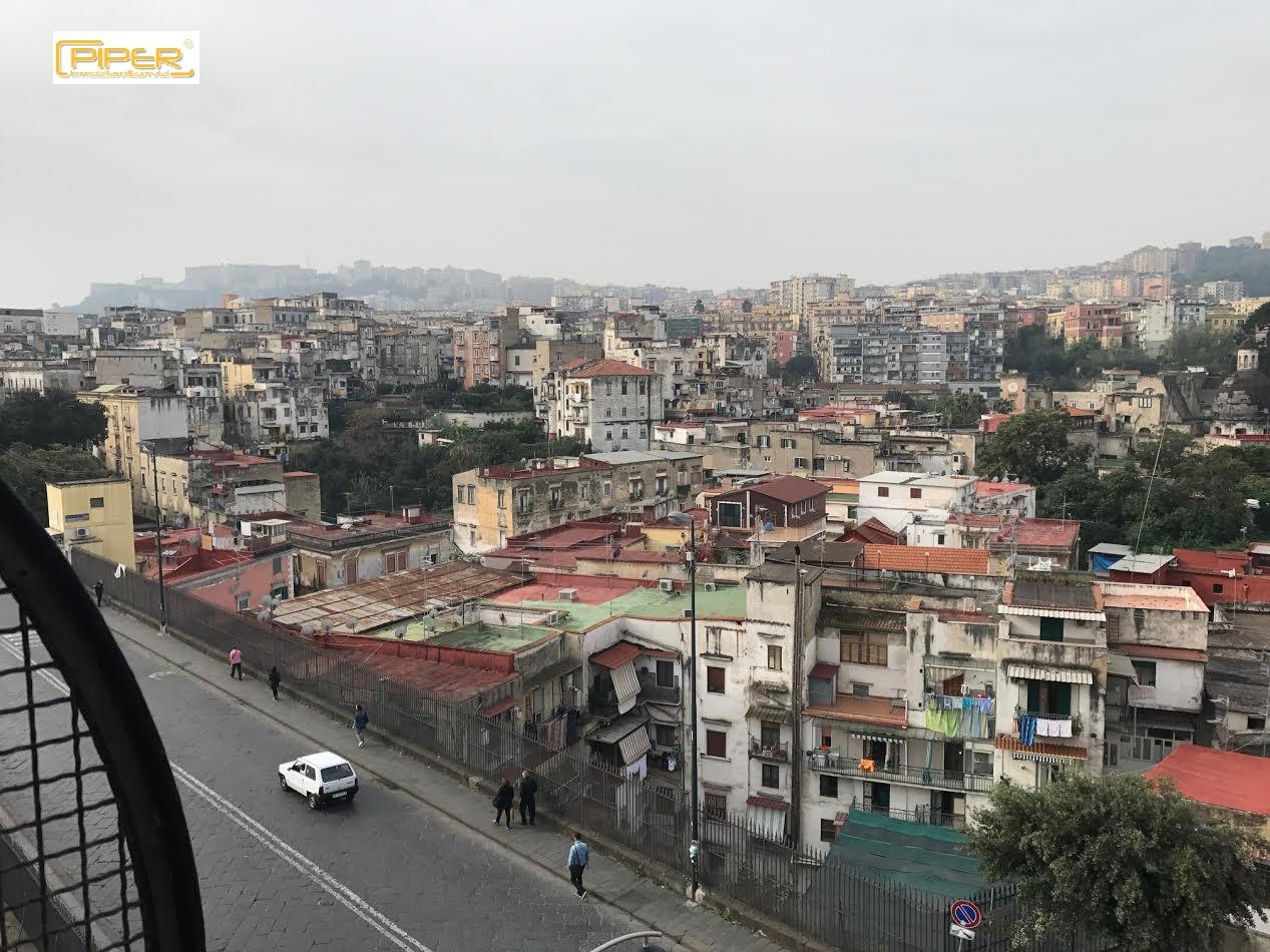 Appartamento in vendita a Napoli, 4 locali, zona Località: Capodimonte, prezzo € 165.000   CambioCasa.it