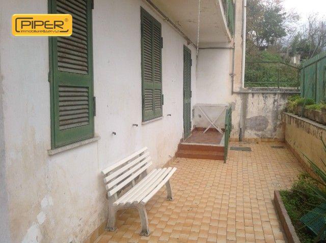 Appartamento con giardino privato affitto a napoli for Affitto casa bergamo privato