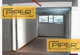 Box / Garage in affitto a Napoli, 1 locali, zona Zona: 10 . Bagnoli, Fuorigrotta, Agnano, prezzo € 150 | CambioCasa.it