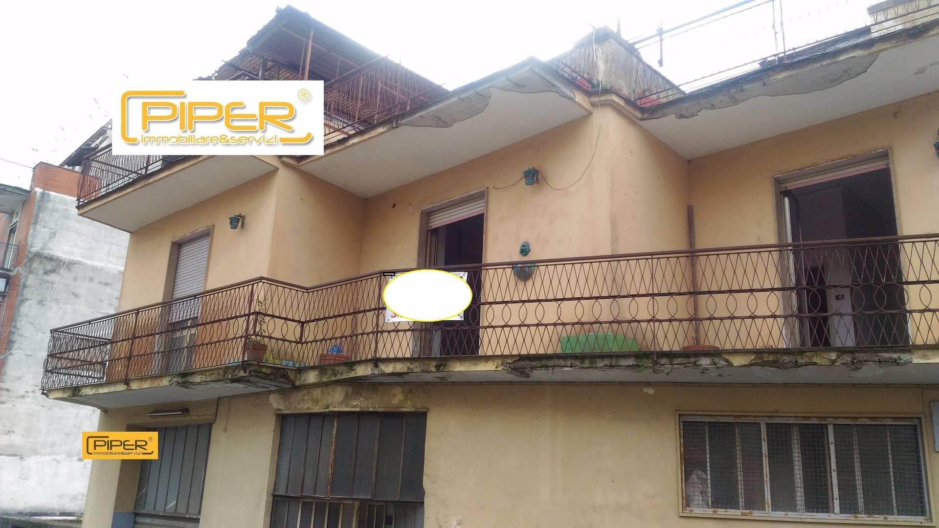 Palazzo / Stabile in vendita a Napoli, 10 locali, zona Località: SanCarloArena, prezzo € 395.000 | CambioCasa.it