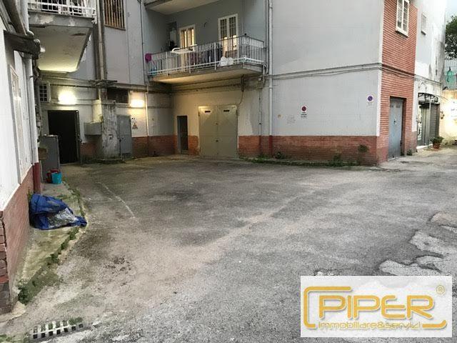 Box / Garage in vendita a Napoli, 1 locali, zona Località: ColliAminei, prezzo € 85.000 | CambioCasa.it