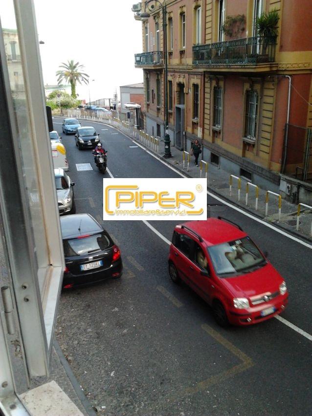 Appartamento in affitto a Napoli, 8 locali, zona Località: Vomero, prezzo € 1.500   CambioCasa.it