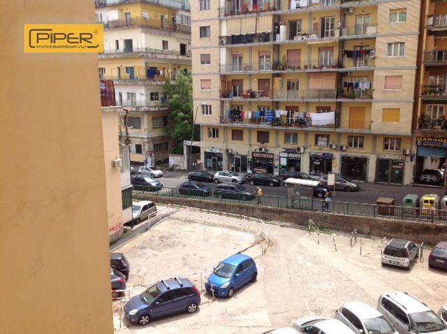 Appartamento in affitto a Napoli, 3 locali, zona Zona: 10 . Bagnoli, Fuorigrotta, Agnano, prezzo € 500 | CambioCasa.it