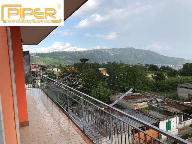 Appartamento in affitto a Napoli, 5 locali, zona Località: Camaldoli, prezzo € 500   CambioCasa.it