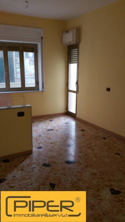 Vai alla scheda: Appartamento Affitto Napoli
