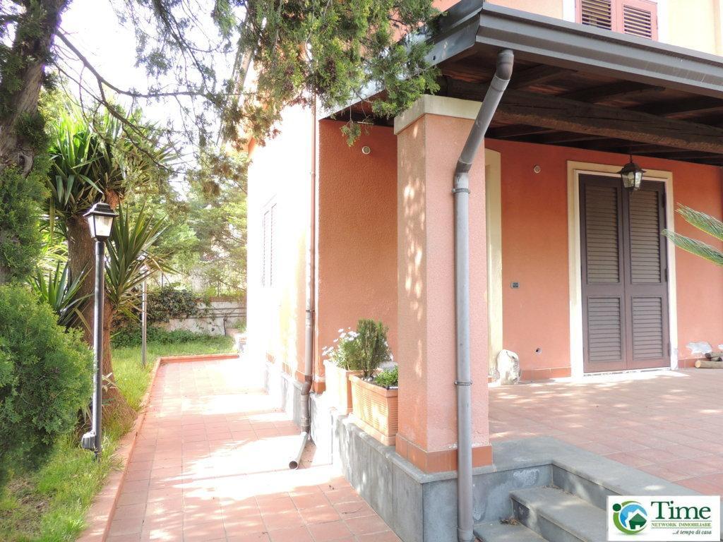 Villa in vendita a Mascalucia, 4 locali, zona Località: ZonaPortichetto, prezzo € 220.000   Cambio Casa.it