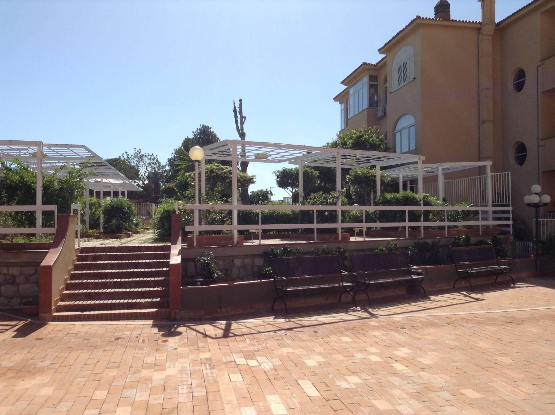 Bilocale Palermo Via Capo Gallo 10