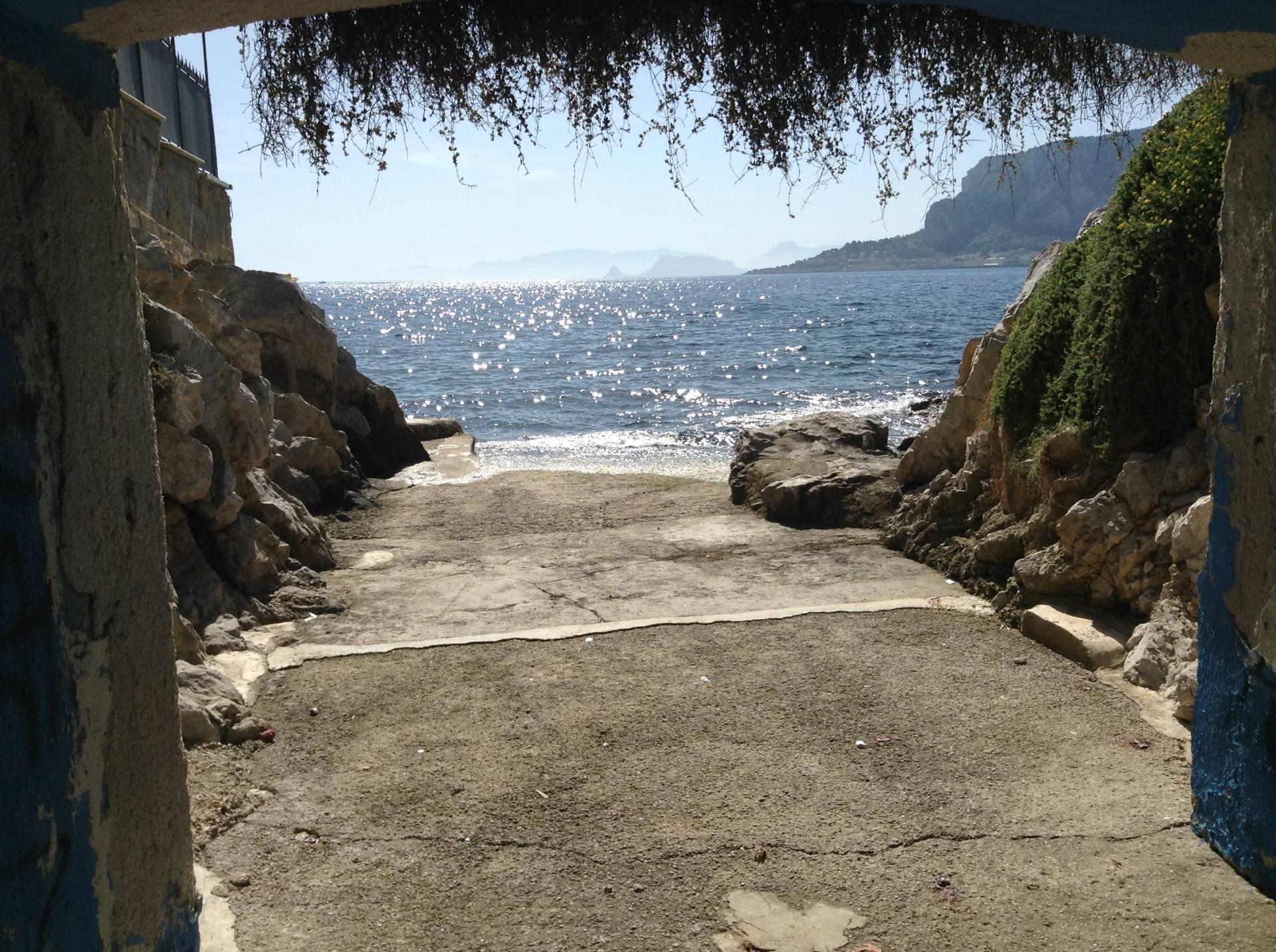 Bilocale Palermo Via Capo Gallo 2