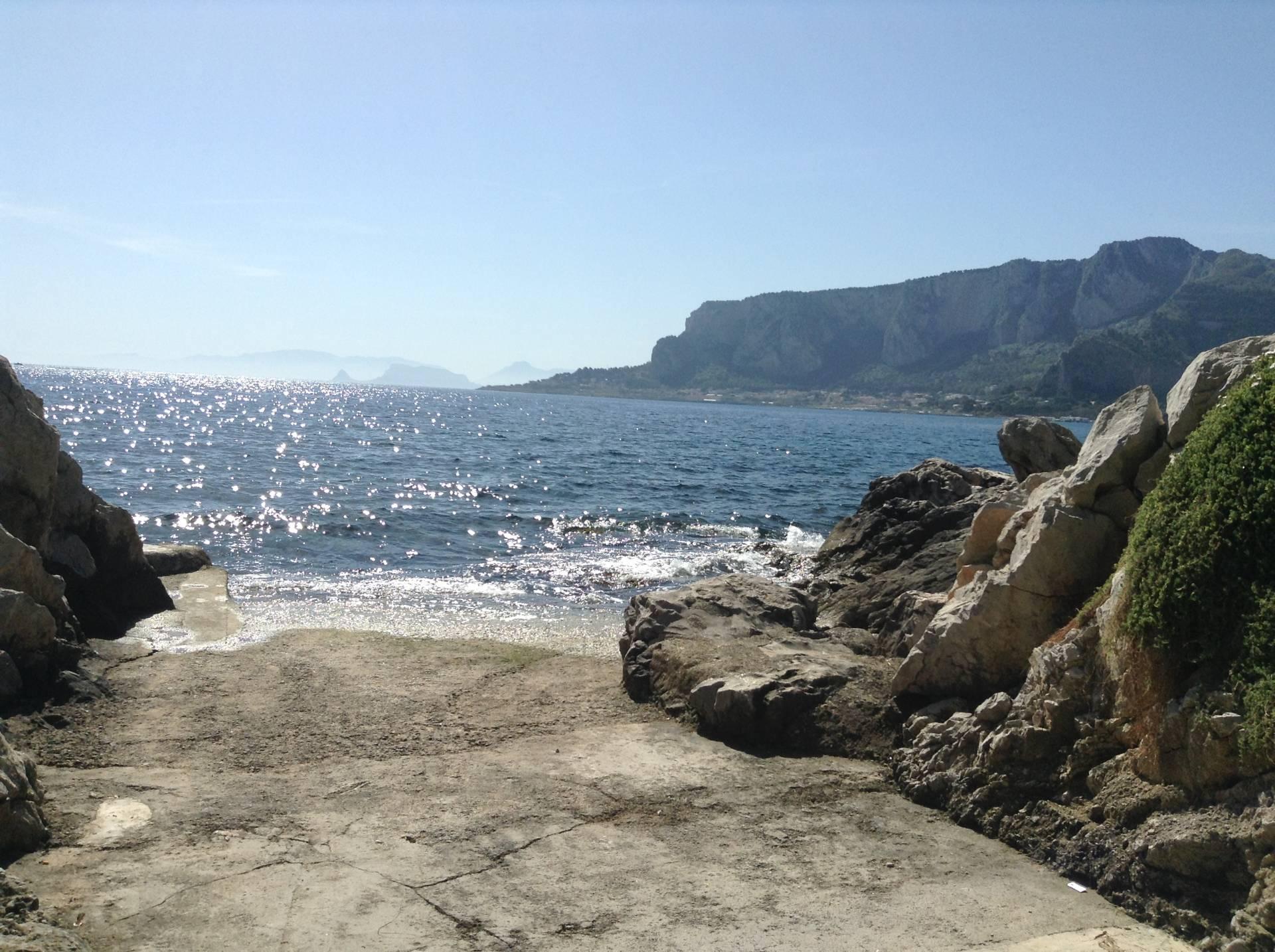 Bilocale Palermo Via Capo Gallo 1