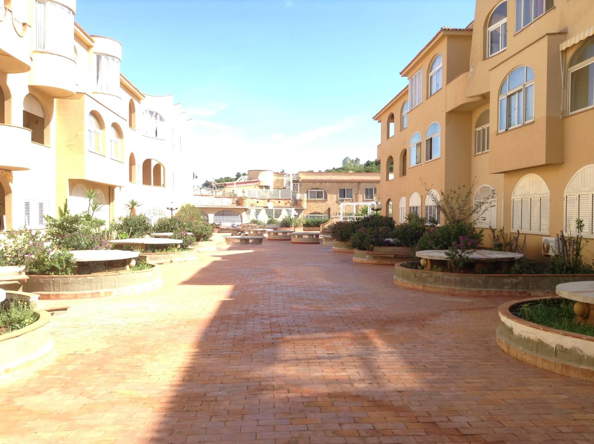 Bilocale Palermo Via Capo Gallo 5