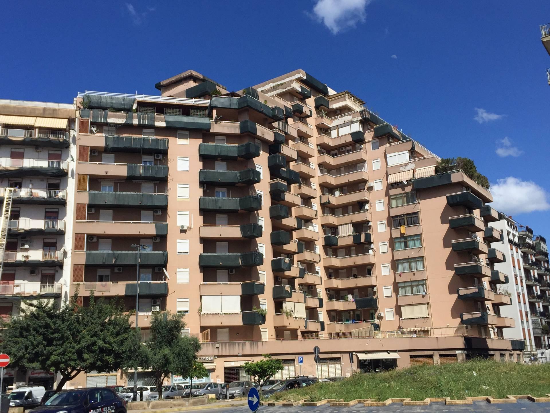 Bilocale Palermo Via Carlo Goldoni 1