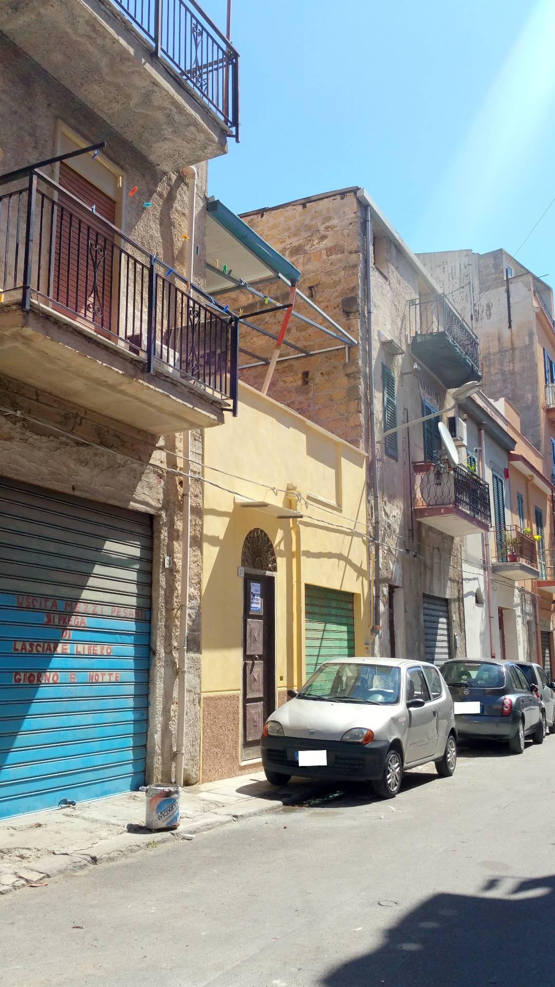 Bilocale Palermo Via Antonio Cassarino 1