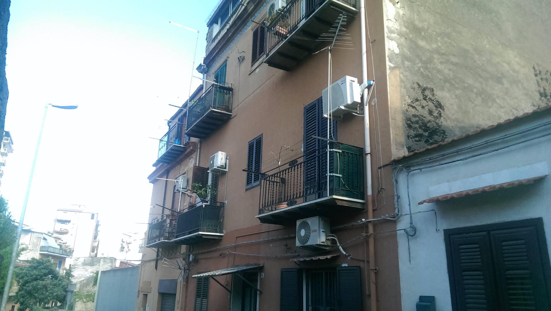 Appartamento in vendita a Palermo, 3 locali, zona Zona: Montepellegrino, prezzo € 95.000 | Cambio Casa.it