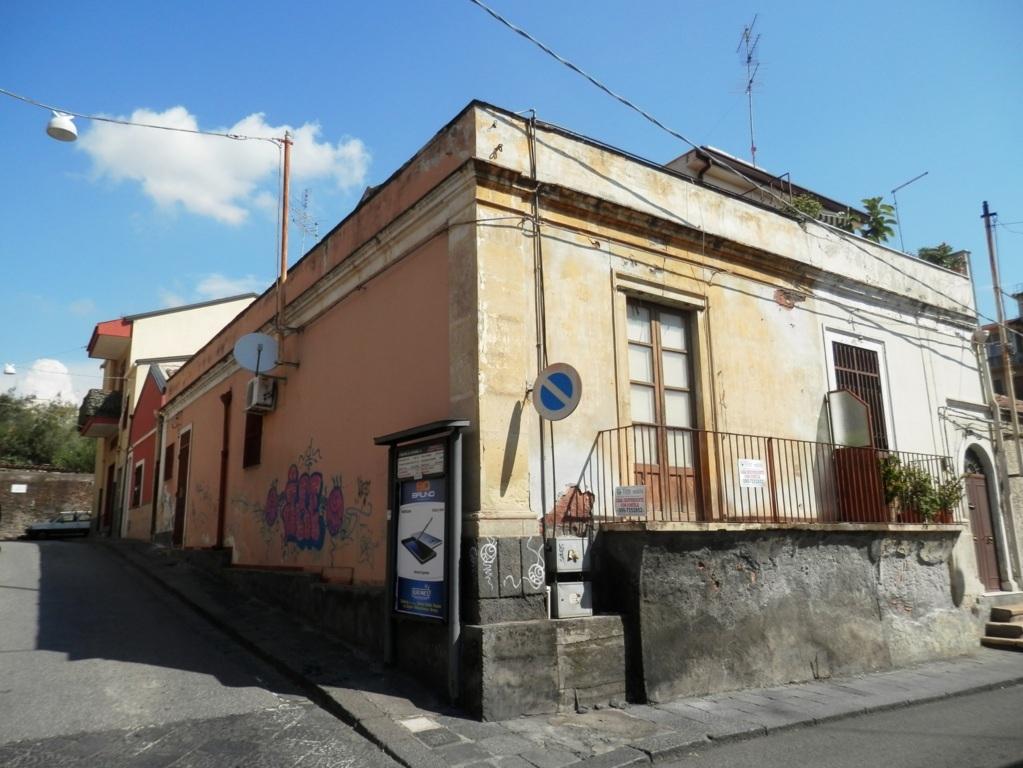 Soluzione Indipendente in vendita a Catania, 3 locali, zona Località: ZonaCibali, prezzo € 88.000 | Cambio Casa.it