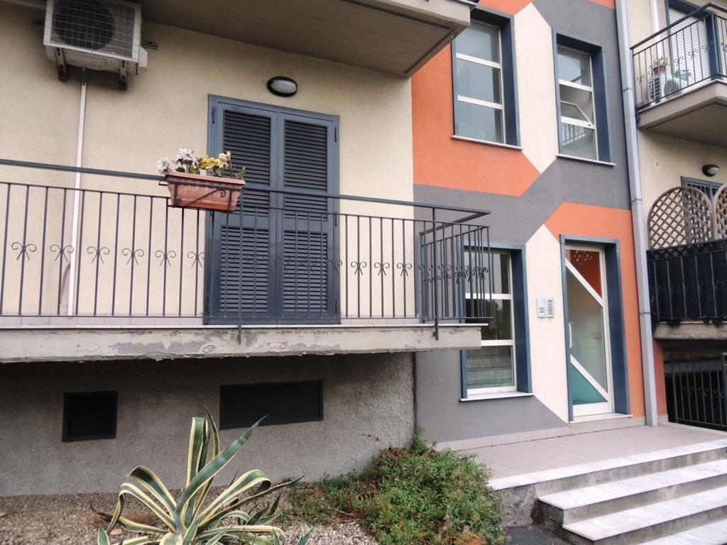 Appartamento in vendita a Camporotondo Etneo, 2 locali, zona Località: PaesiEtnei, prezzo € 79.000 | Cambio Casa.it