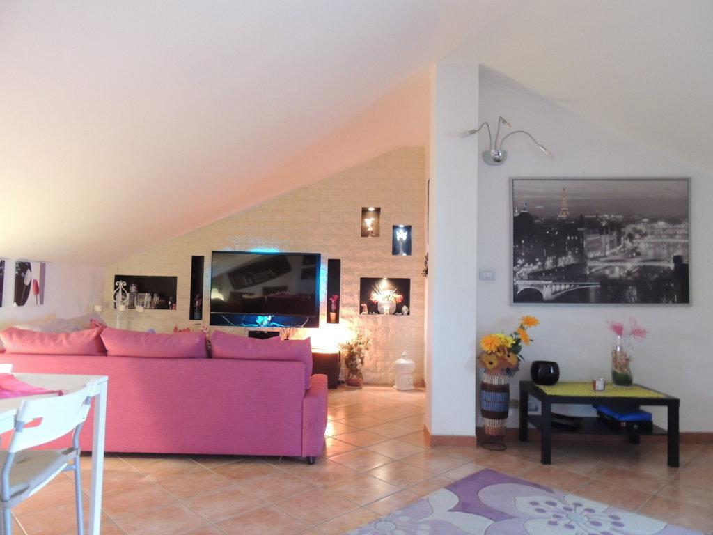 Attico / Mansarda in vendita a Mascalucia, 3 locali, zona Località: Bassa, prezzo € 99.000 | Cambio Casa.it